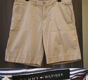 Tommy Hilfiger Tan Cargo Shorts Sz 36